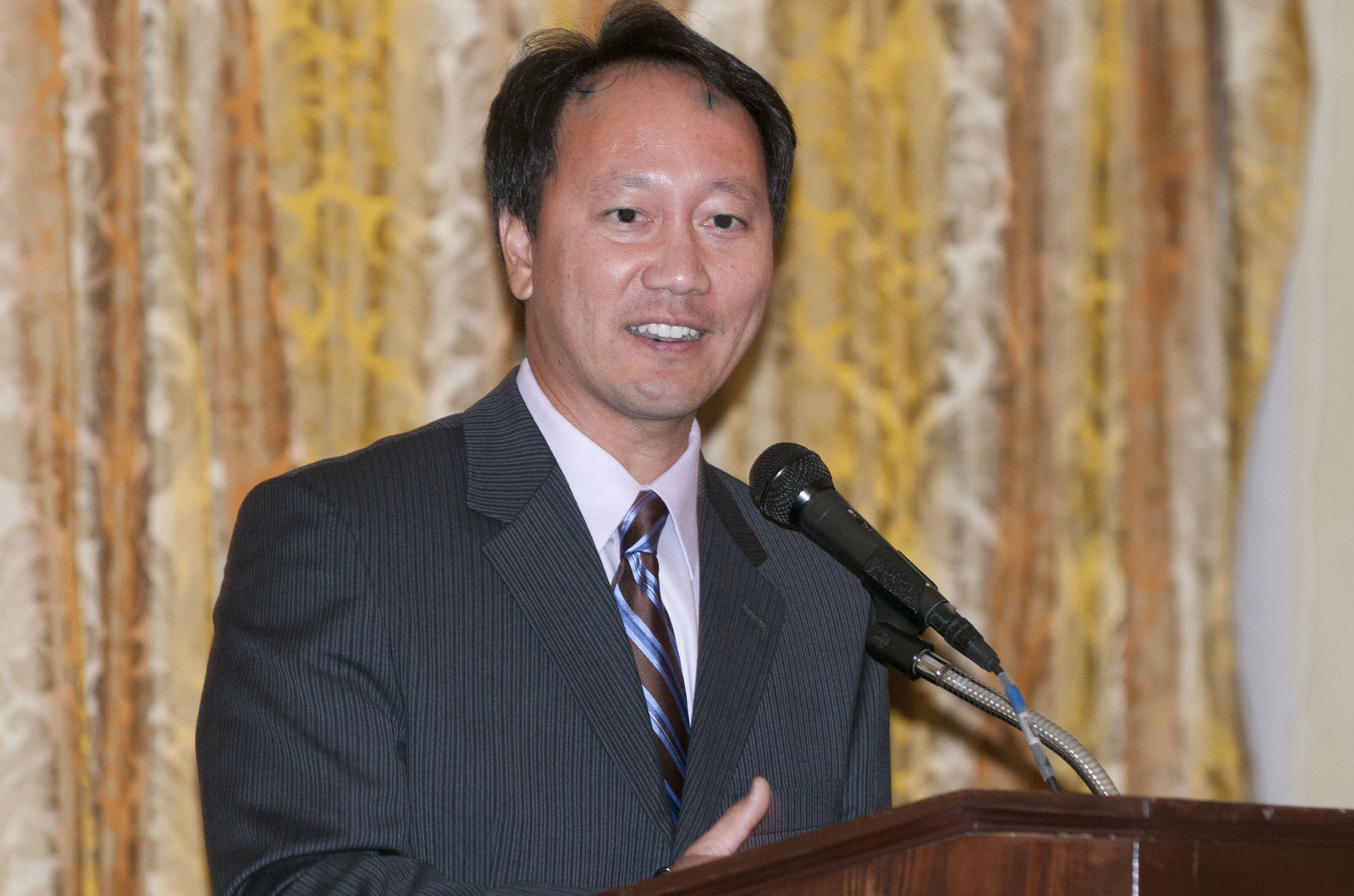 Michael Chang Highlighted in October 2013 USTA Newsletter